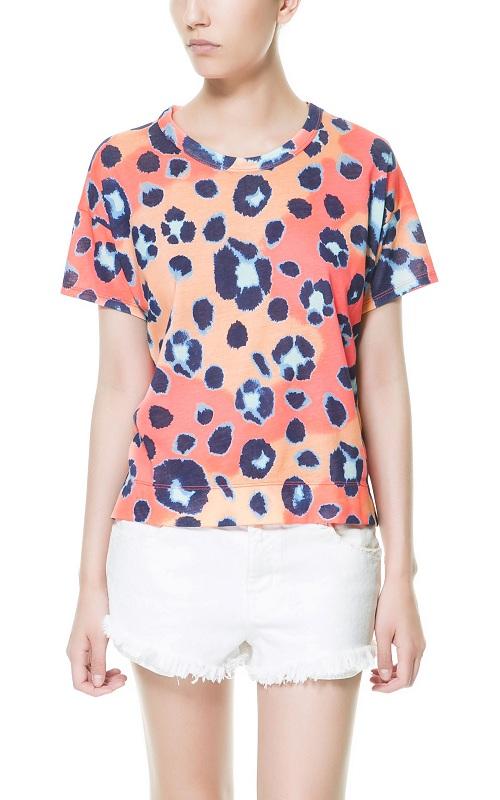 Descubre las últimas camisetas de Zara