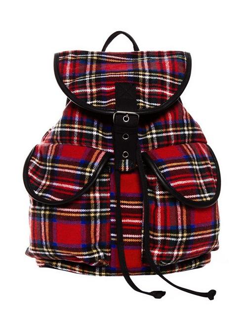¿Buscas mochila? Encuéntrala en Pull&Bear