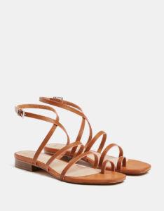 Bershka y sus nuevas sandalias para el verano
